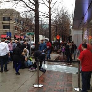 apple-store-falling-door-lawsuit-bethesda-maryland